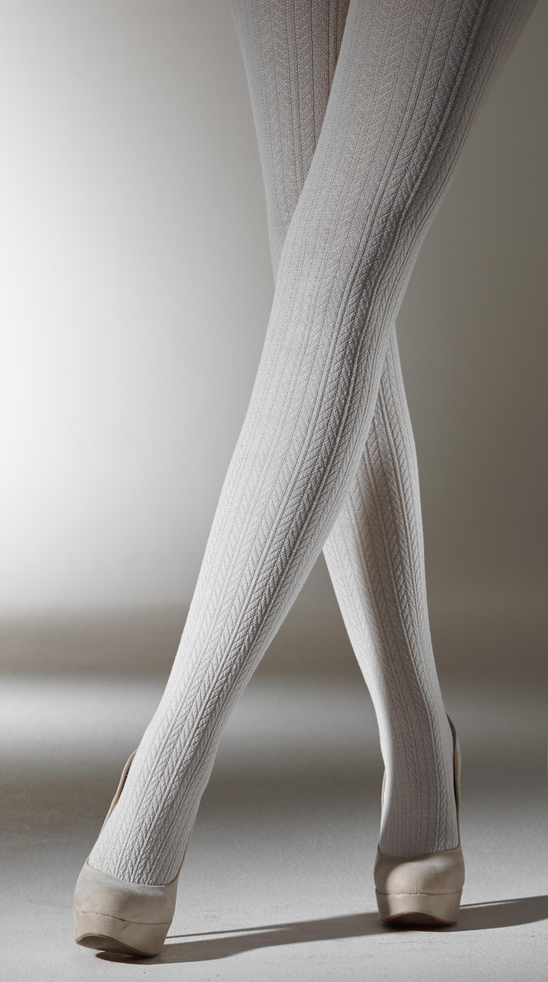 Чулки на жирных нога 2 фотография
