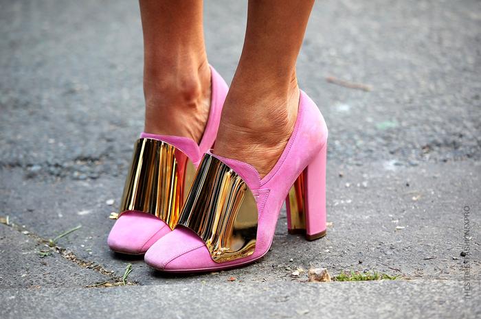луки с розовыми туфлями